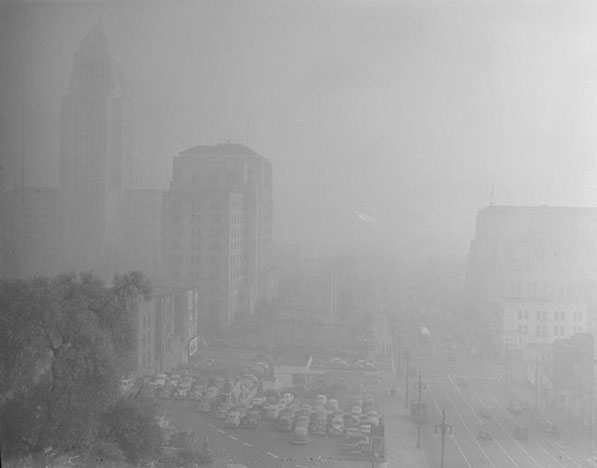 Los Angeles Civic Center Smothered by Smog in 1948