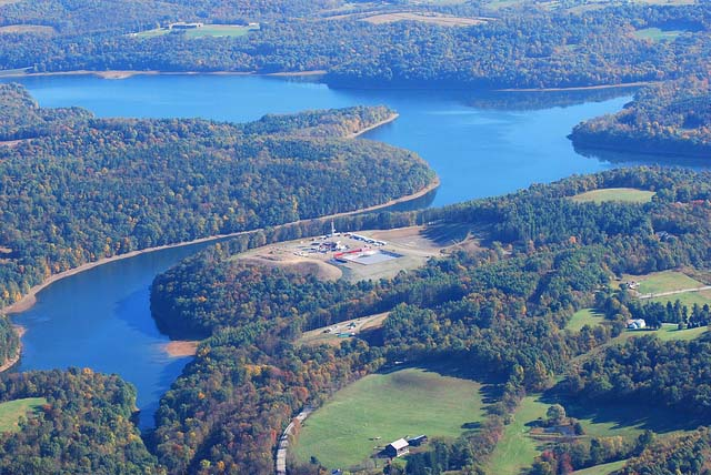 Fracking at Beaver Run Reservoir in Westmoreland County, PA - Photo: Marcellus Protest