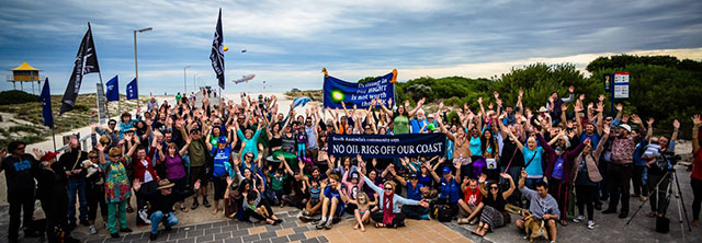 Hands Across The Sand, Adelaide, South Australia, May 17, 2014 - Photo: Wilderness Society of Australia