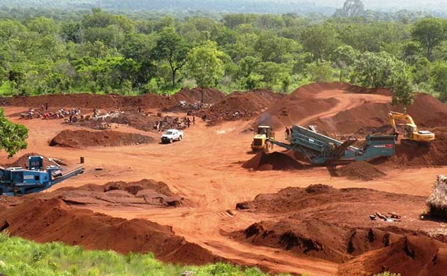 Bauxite Mine in Kabanga, Zambia - Photo: Dharni Sampda