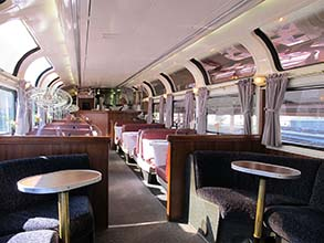 Amtrak Coast Starlight Parlour Car Interior - Photo: Wikipedia