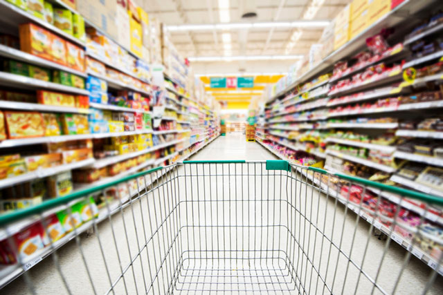 Empty Shopping Cart in Grocery Market Aisle