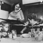 Lois Gibbs in Her Kitchen with Her Kids in 1978