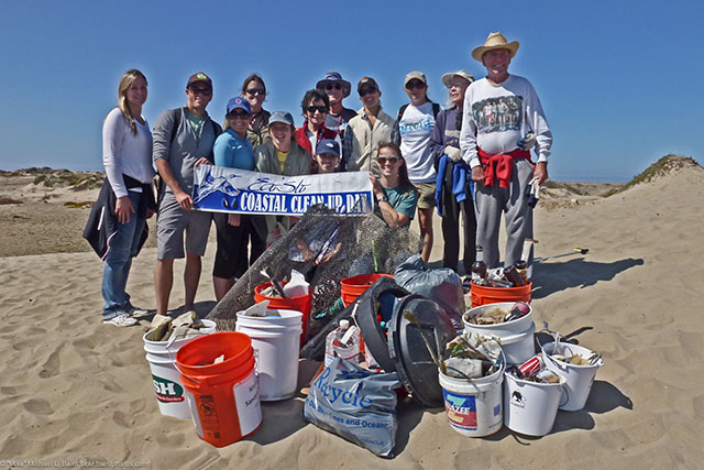 Volunteers at ECOSLO Coastal Cleanup Day in Morro Bay, CA